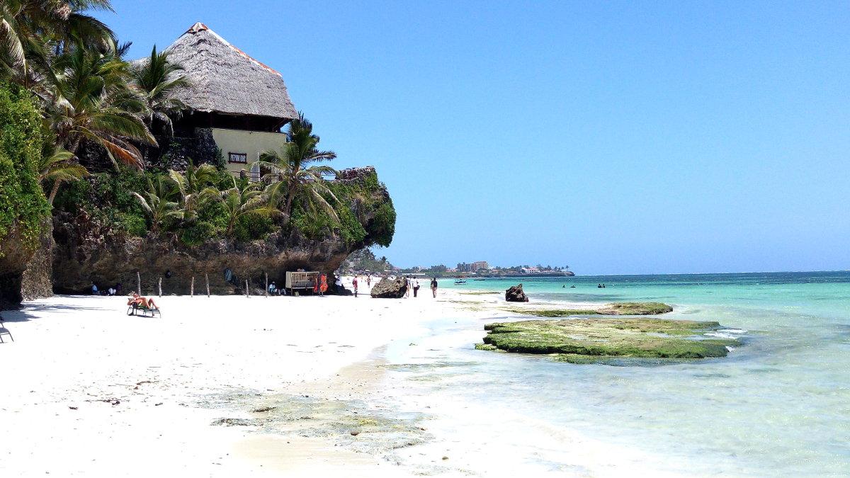 Bahari Beach Hotel
